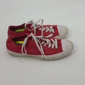 Red converse all star chuck taylor II sneakers